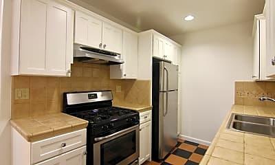 Kitchen, 6345 Primrose Ave, 2