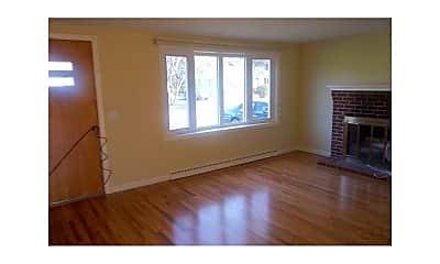 Living Room, 62 Longfellow Dr, 1