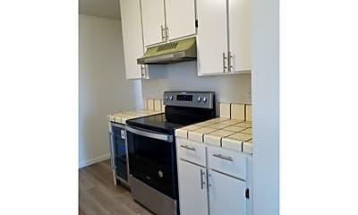 Kitchen, 850 Park Ave, 2