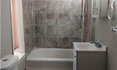 Bathroom, 1304 Oak Ln, 2