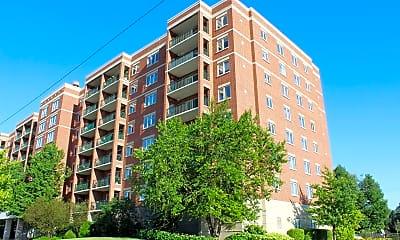 Building, 5555 N Cumberland Ave, 2