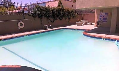 Pool, 5226 Lexington Ave, 2