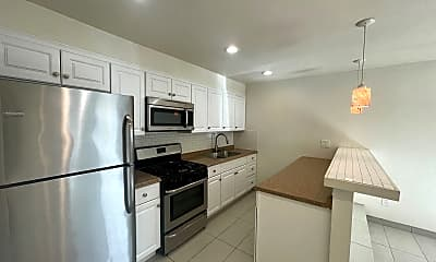 Kitchen, 27700 Avenida Terrazo, 2