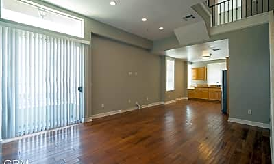Living Room, 5237 Willow Crest Ave, 1