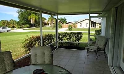 Patio / Deck, 641 SW Violet Ave, 2