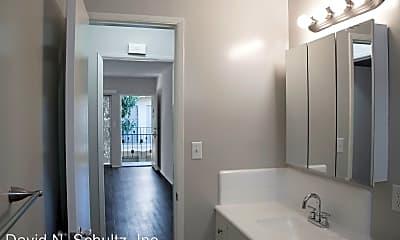 Bathroom, 445 E Verdugo Ave, 2