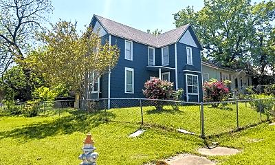 Building, 700 W Munson St, 1