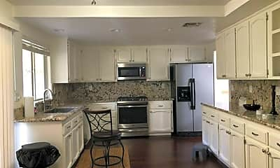 Kitchen, 524 Kinsale Ct, 2