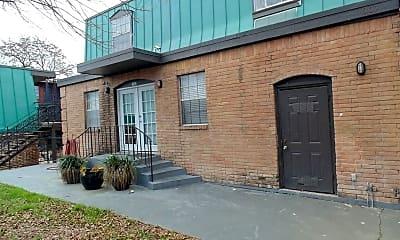 Building, 311 E 31st St, 2