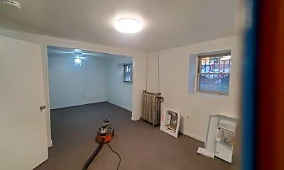 Living Room, 2606 N Spaulding Ave, 1