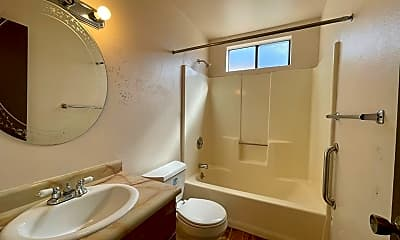 Bathroom, 102 Brown St, 2