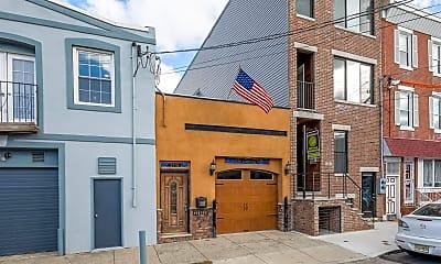 Building, 31 W Wildey St, 1