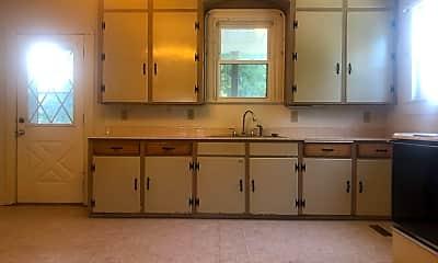 Kitchen, 2726 W Spencer St, 1