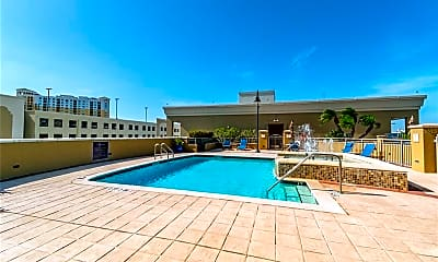 Pool, 275 Bayshore Blvd 807, 2