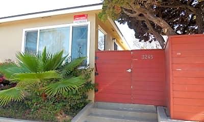 Patio / Deck, 3245 E Wilton St, 1