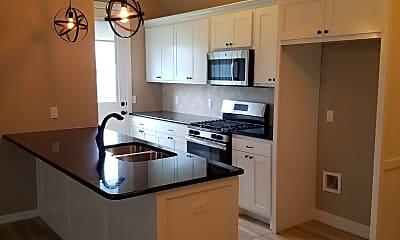 Kitchen, 3300 Enclave Ln, 1