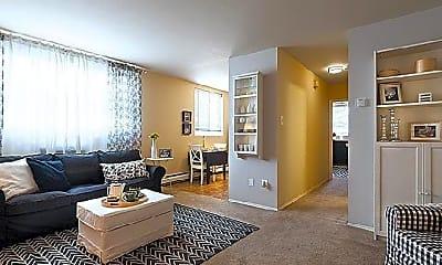 Living Room, 450 Domino Ln, 2