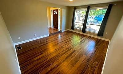 Living Room, 2716 Montello Ave, 1