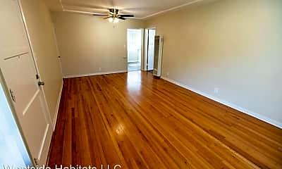 Living Room, 621 Midvale Ave, 2
