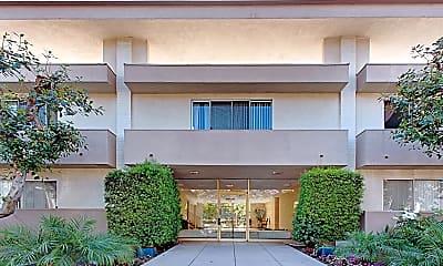 Building, Crown Encino, 1