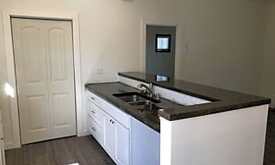 Kitchen, 6638 Maricopa Dr D, 2