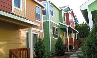 Building, 4642 NE Portland Hwy, 1