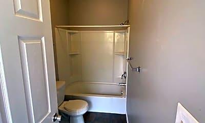 Bathroom, 3163 Frankford Ave, 2