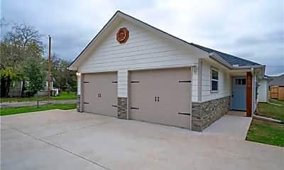 Building, 800 N Throckmorton St, 0