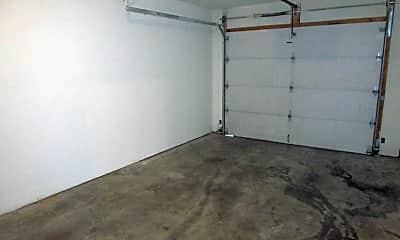 Bedroom, 3517 Ponderosa St, 2