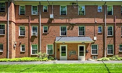 Building, 132 Claremont Rd 11, 0