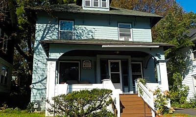 Building, 960 Lancaster Ave, 1