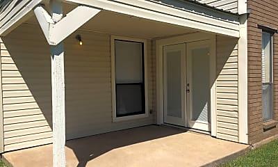 Building, 3612 Choctaw St, 2