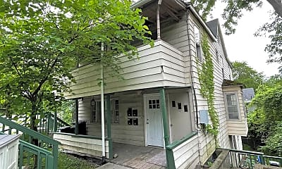 Building, 224 W Spencer St, 2