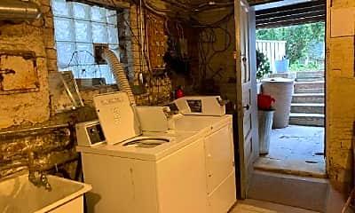 Kitchen, 2035 W Potomac Ave, 2
