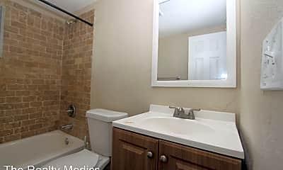Bathroom, 1045 W Washington St, 2