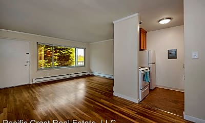 Living Room, 831 W Nickerson St, 0