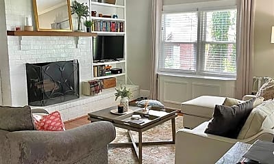 Living Room, 332 Hillcrest Ave A, 2
