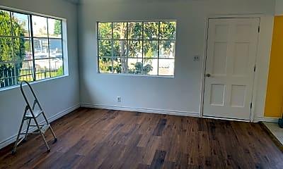 Living Room, 906 E 101st St, 1