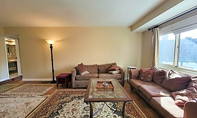 Living Room, 4201 Cathedral Ave NW 820E, 2