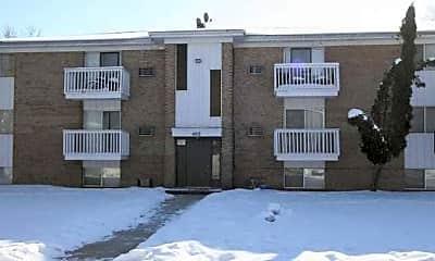 Building, Creekview Apartments, 1