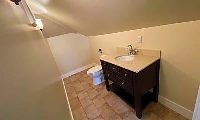 Bathroom, 58 Bessie St, 2