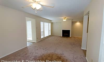 Living Room, 915 Todd Ln, 1