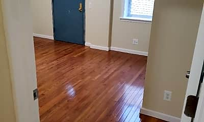 Bedroom, 2286 Beaumont Ave, 2