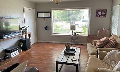 Living Room, 2605 31st St, 2