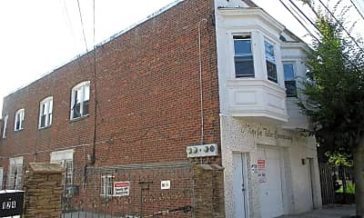 Building, 126 N Texas Ave, 2