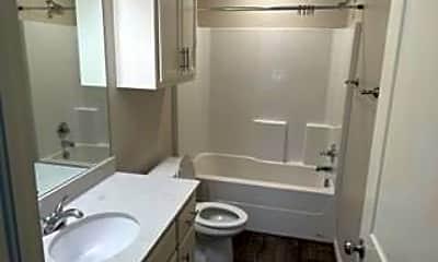 Bathroom, 428 Vail Cir, 2
