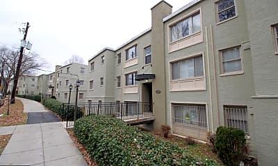 Building, 2850 Hartford St SE 201, 2
