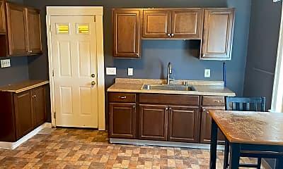 Kitchen, 14604 Edgewood Ave, 1