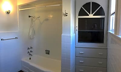 Bathroom, 48 South St 2, 2