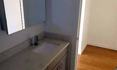 Bathroom, 224 23rd Ave E, 1